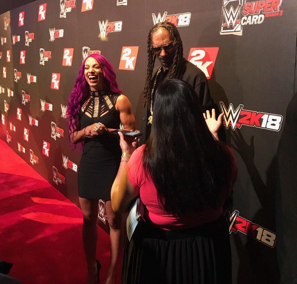 .@SashaBanksWWE and @SnoopDogg! #2KSummerSlam #WWE2K18 @WWESuperCard h...