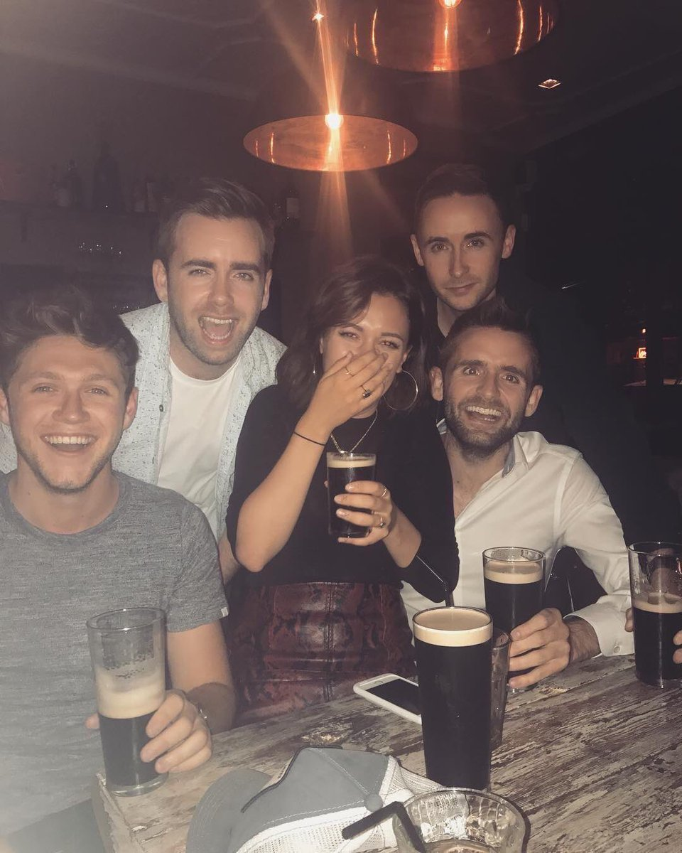 Niall with friends in London last night!!!  #NiallHoran #Niall #Horan #ThisTown #SlowHands #Nialler<br>http://pic.twitter.com/SmWqKqsh6p