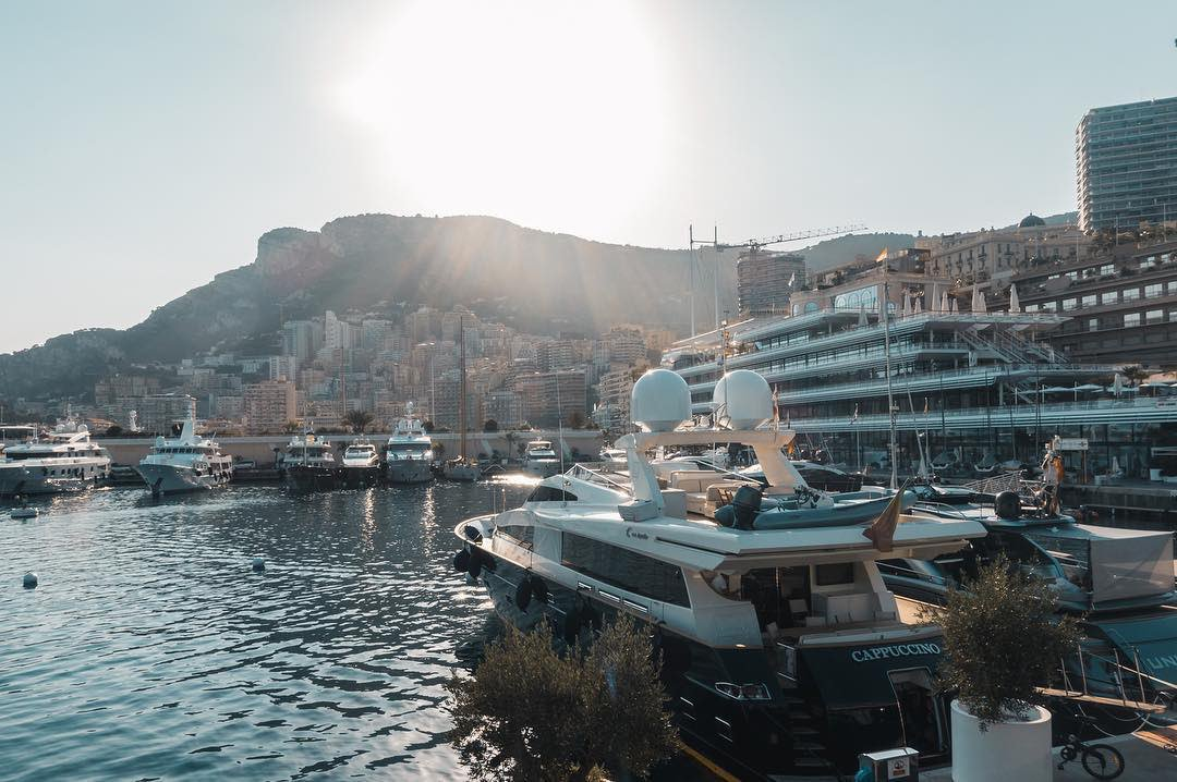 A BIG hello to you and this sunny weekend  What&#39;s on your plan #monaco #montecarlo #victordemonaco<br>http://pic.twitter.com/iQRLP6qCt5