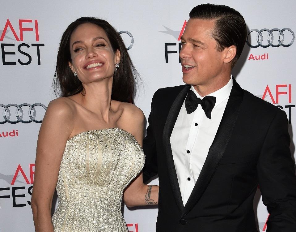 Brad Pitt et Angelina Jolie condamnés à payer un demi-million d'euros à une artiste française https://t.co/wOXlL9AKnI