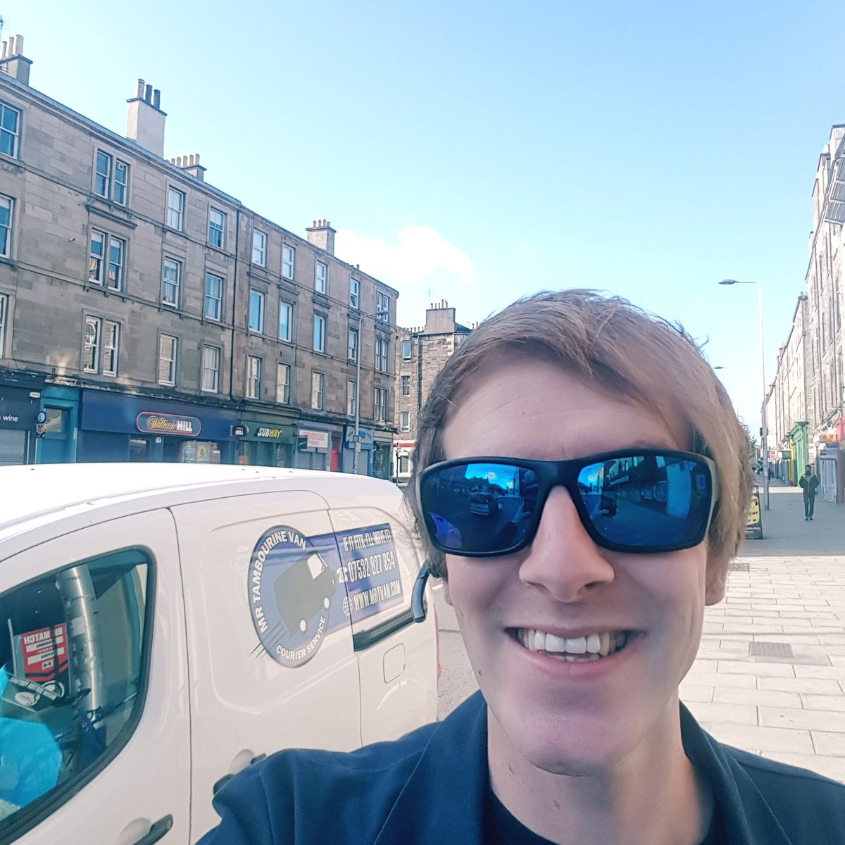 Starting my day with Sunshine on Leith! #Edinburgh #courier #deliver <br>http://pic.twitter.com/78q0KHNBa2 &ndash; bij Leith Walk