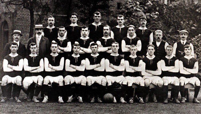 #OnThisDay in 1900!  117 years ago Thames Ironworks FC changed their name to West Ham United. dg