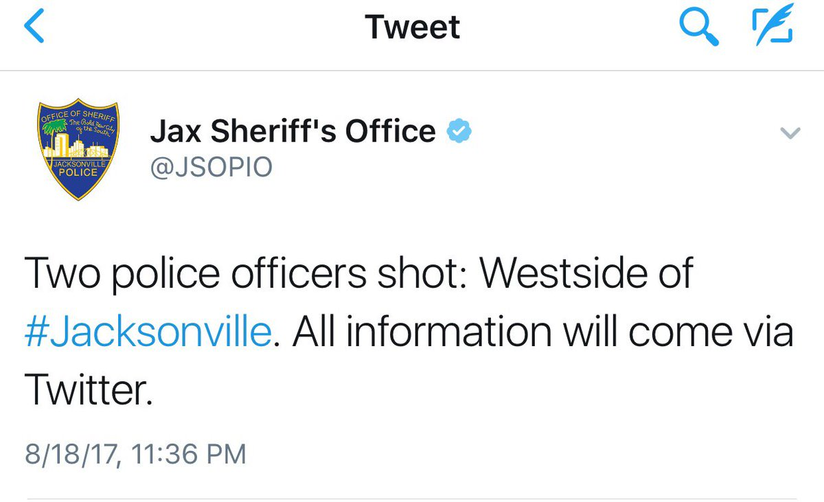 #BREAKING 2 police officers shot in #Jacksonville in addition to the 2...