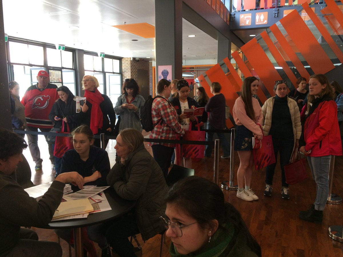 Long queues for the #Ancient History &amp; #Archaeology booth @Macquarie_Uni #MUOpenDay all day. Great to meet our #futurestudents  <br>http://pic.twitter.com/gyeSJ5lJ6a