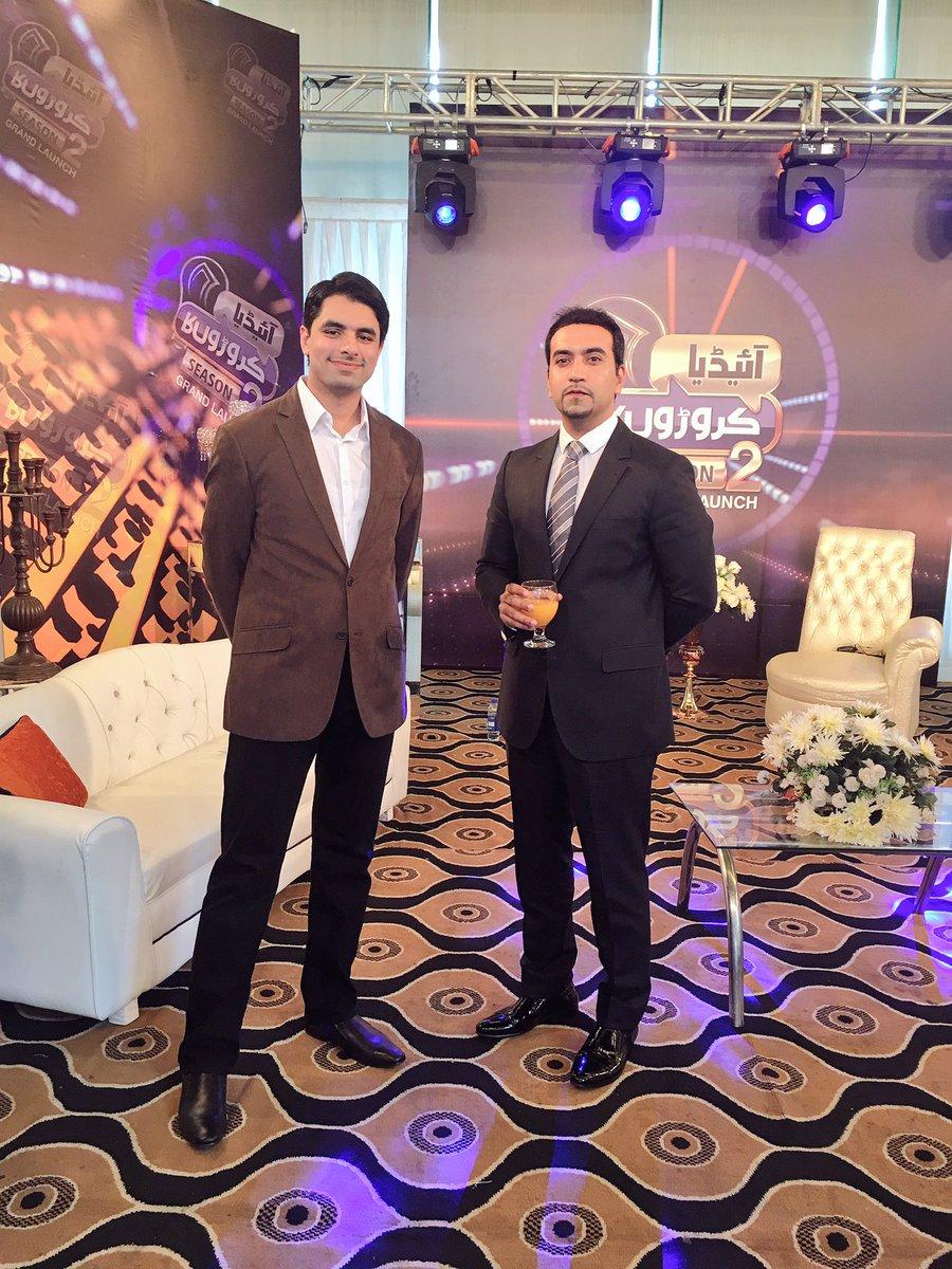Welcome to the set @artalat, #investor @IdeaCroronKa_ &amp; Director marketing at @OrientPakistan and CEO #blueeast #ICK #Season2 #GrandLaunch<br>http://pic.twitter.com/ha2cYnDkhU