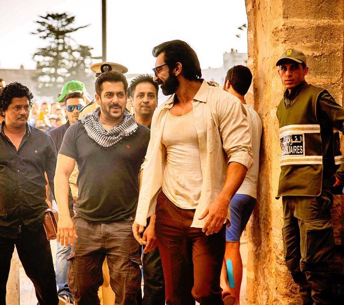 Yeah!!! The #Tiger Of #Bollywood #Handsome Forever @BeingSalmanKhan On The Sets Of #TigerZindaHai<br>http://pic.twitter.com/BNhL01geXj