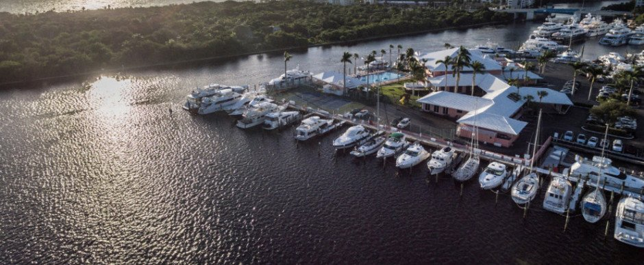 Experience life, just better-at @CoralRidgeYC    https:// ccionline.wordpress.com/2017/08/11/457 8/ &nbsp; …  … #Monaco #FortLauderdale @TheJulieOneill #Monacoyachtshow #yachting<br>http://pic.twitter.com/5VffHwNuyt
