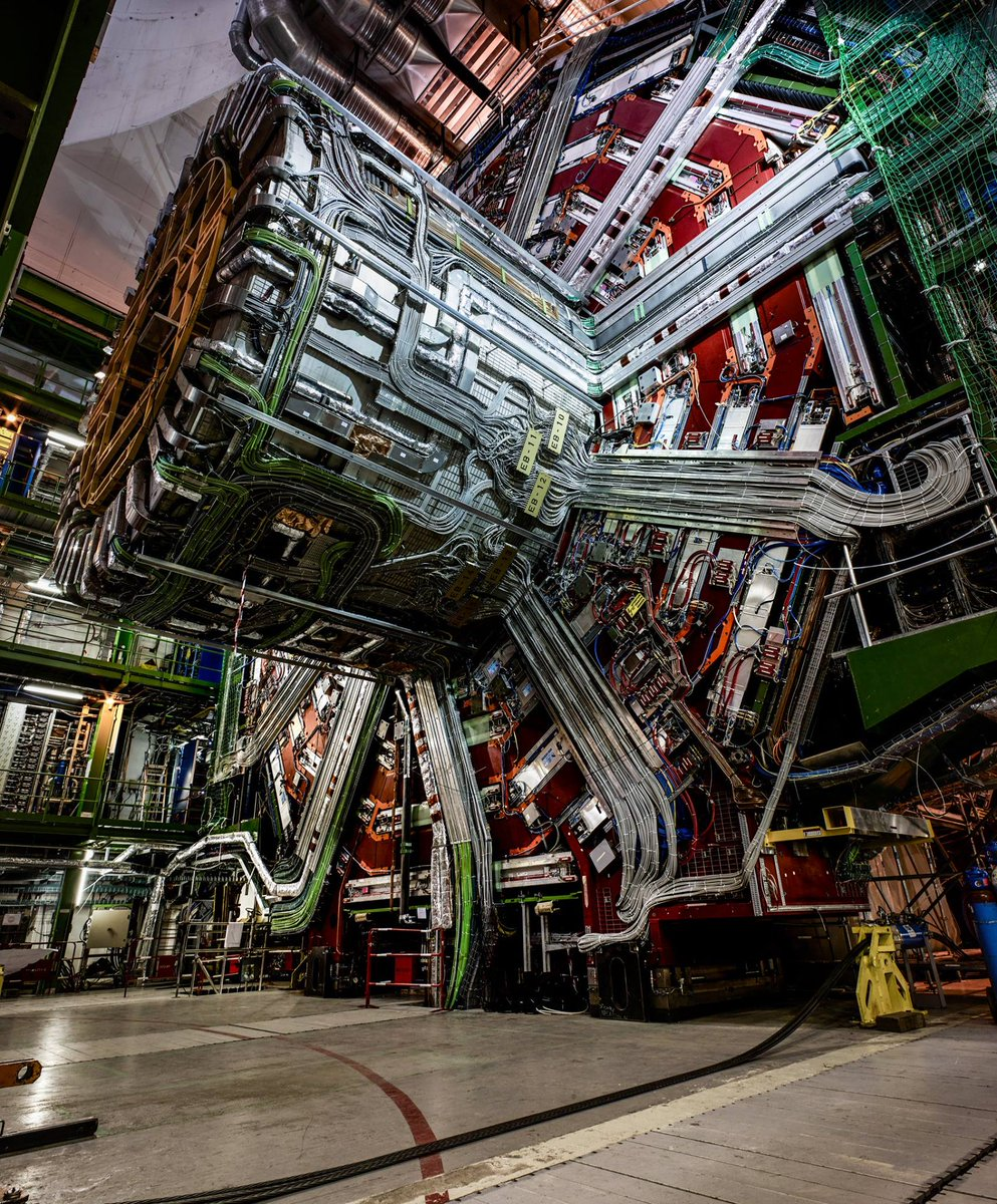 Happy World Photo Day!  Tag your favourite @CERN photo on Instagram ht...