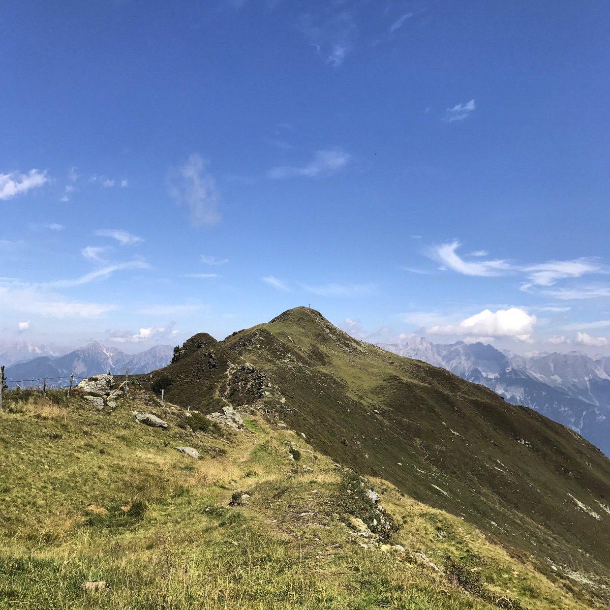 I&#39;m walking on sunshine, woooah #Austria #tirolo #love #holiday #vacances <br>http://pic.twitter.com/bsy5Y1FVou
