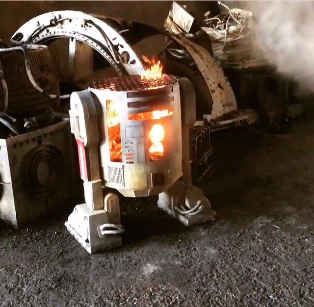 Han Solo (Solo-) Film - Seite 2 DHleUAFXsAEACgr