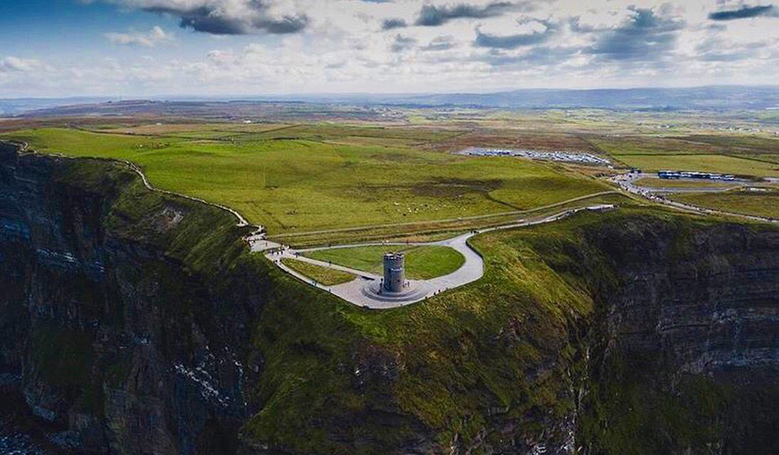 Wow  Have you never seen Cliffs Of Moher from this angle?  .  by IG:anmc900 #cliffs #clare #ireland #amazing #irish_daily #tourist<br>http://pic.twitter.com/5ZnATqInLS