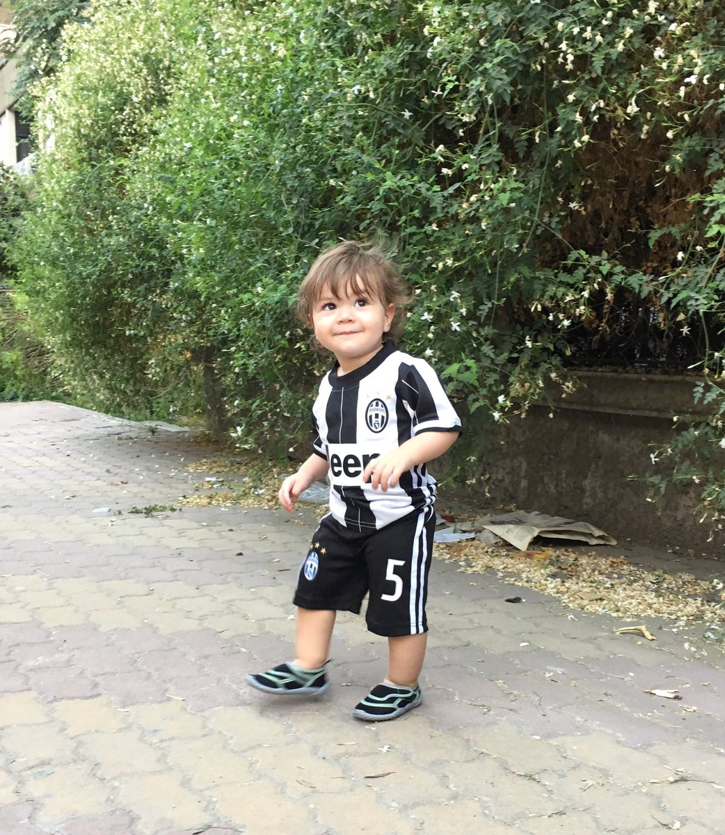 @juventusfcen and here we go, ready for the new season  from the youngest Bianconero  in #Syria #ForzaJuve <br>http://pic.twitter.com/s6IDUZKsTm