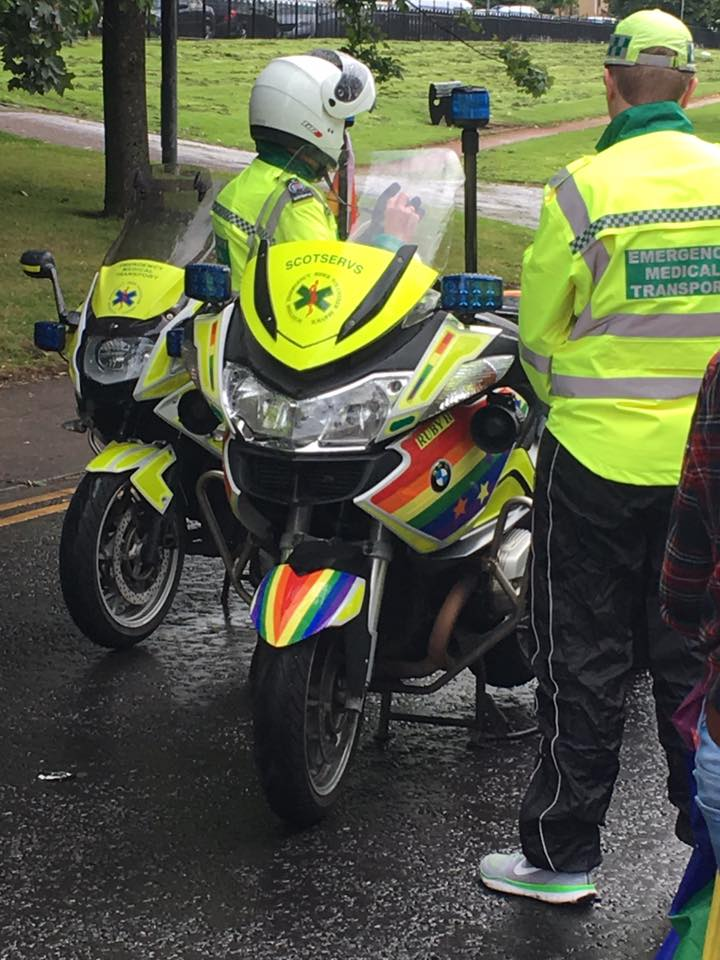 #Glasgow, #Scotland - where paramedics re-brand their bikes for #Pride - absolutely brilliant show of solidarity #PrideGlasgow<br>http://pic.twitter.com/BSBpvI4aIY