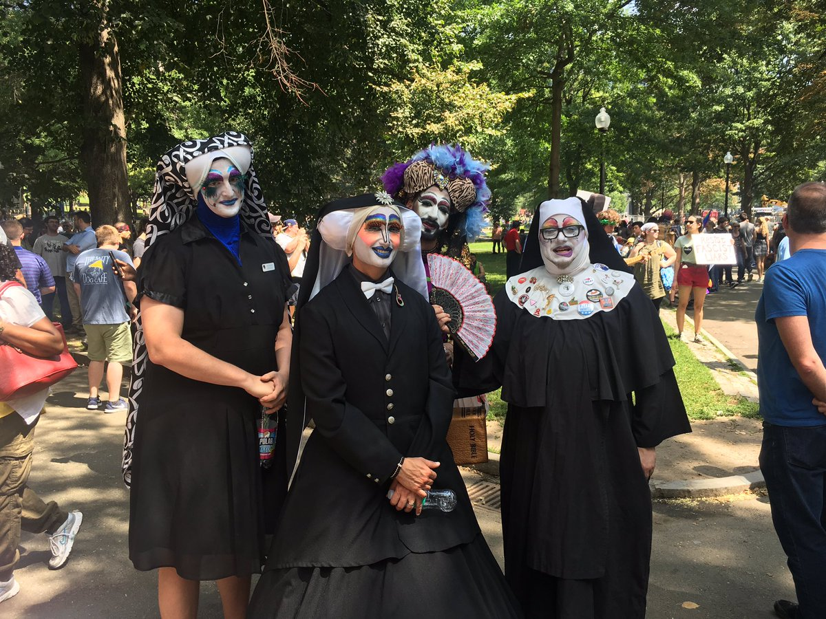 Witches and drag queens are protesting the right-wingers in Boston