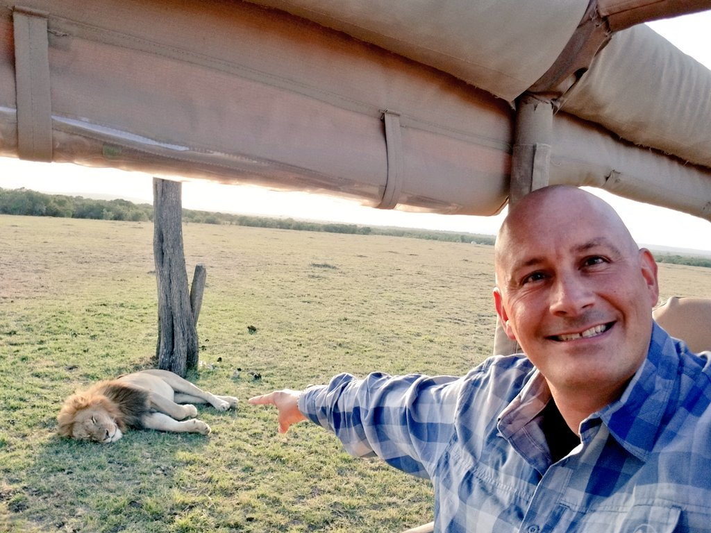 Just back from an afternoon game drive in #MasaiMara w/ @MaraFairmont, saw a #Lion sleeping. #LuxuryTravel #Kenya #FairmontSafari #Safari <br>http://pic.twitter.com/diWZGfqMNX