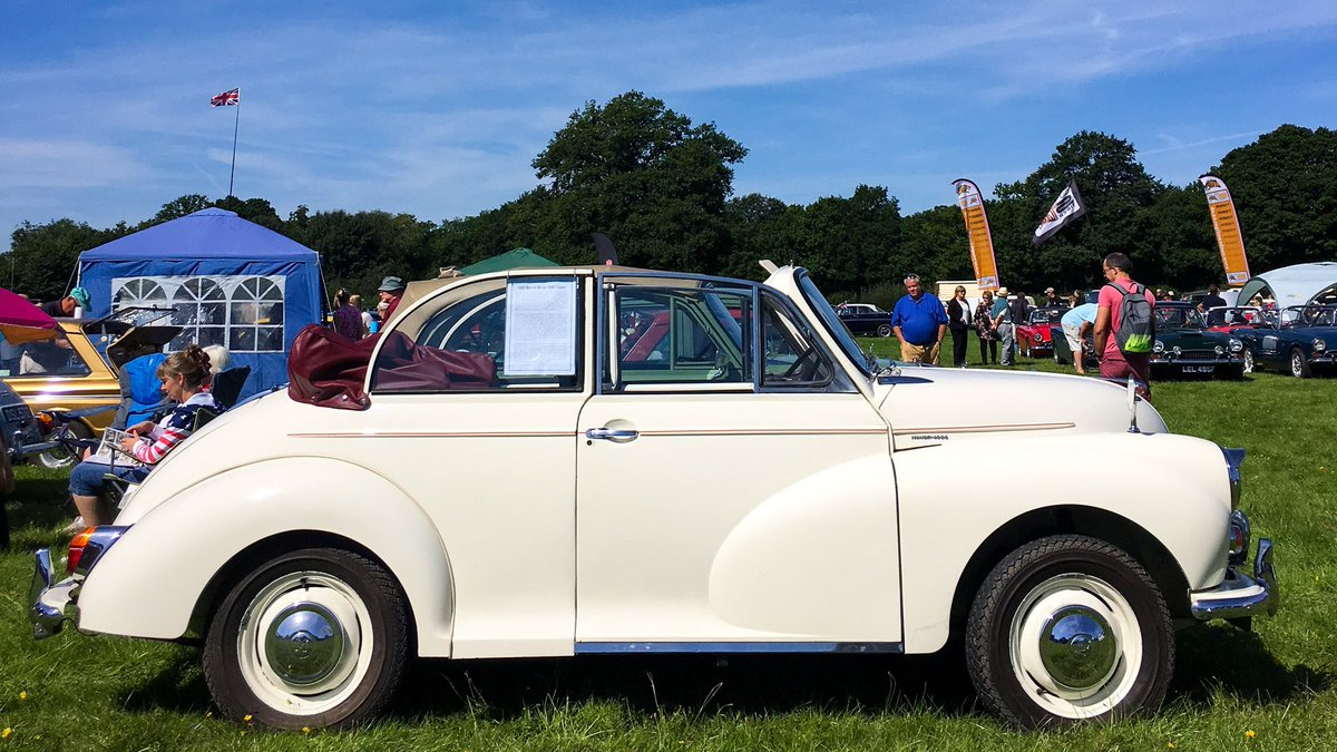 Morris Minor 1000 Tourer. Perfect day for the top down! #morrisminor #convertible #classiccar #nostalgicautos<br>http://pic.twitter.com/bbF1g7vYbD