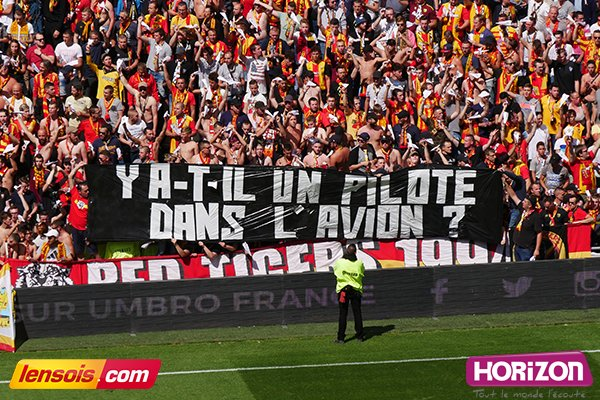 #DominosLigue2 #RCLSB29 #RCLens #Bollaert &quot; The question ?&quot;<br>http://pic.twitter.com/AmuhW7uNlb