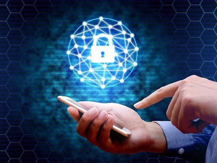1.8 million #workforce shortage in #cybersecurity by 2022  https:// buff.ly/2xaDTvD  &nbsp;   #cybercrime #cyberattack #tech #malware #phishing #hacked<br>http://pic.twitter.com/CnD3nSIclz