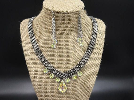 Dragonscale Necklace set -  https:// buff.ly/2vN0vVg  &nbsp;   #etsyretwt #Etsyhandmade #TEMPTTeam #Etsy #twitch #chainmaille #jewelry #Handmade #faire <br>http://pic.twitter.com/Yrorx5Tm39