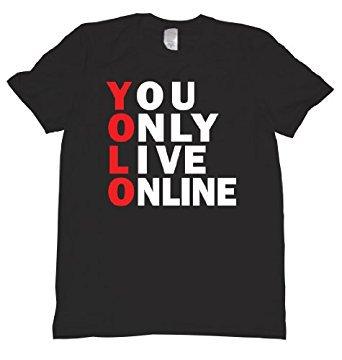 올해의 단어가 YOLO 라고.  아마존에 파는 이 티셔츠 사입고 다니고 싶다.   #YouOnlyLiveOnline https://t.co/q2DBrYF5Pe