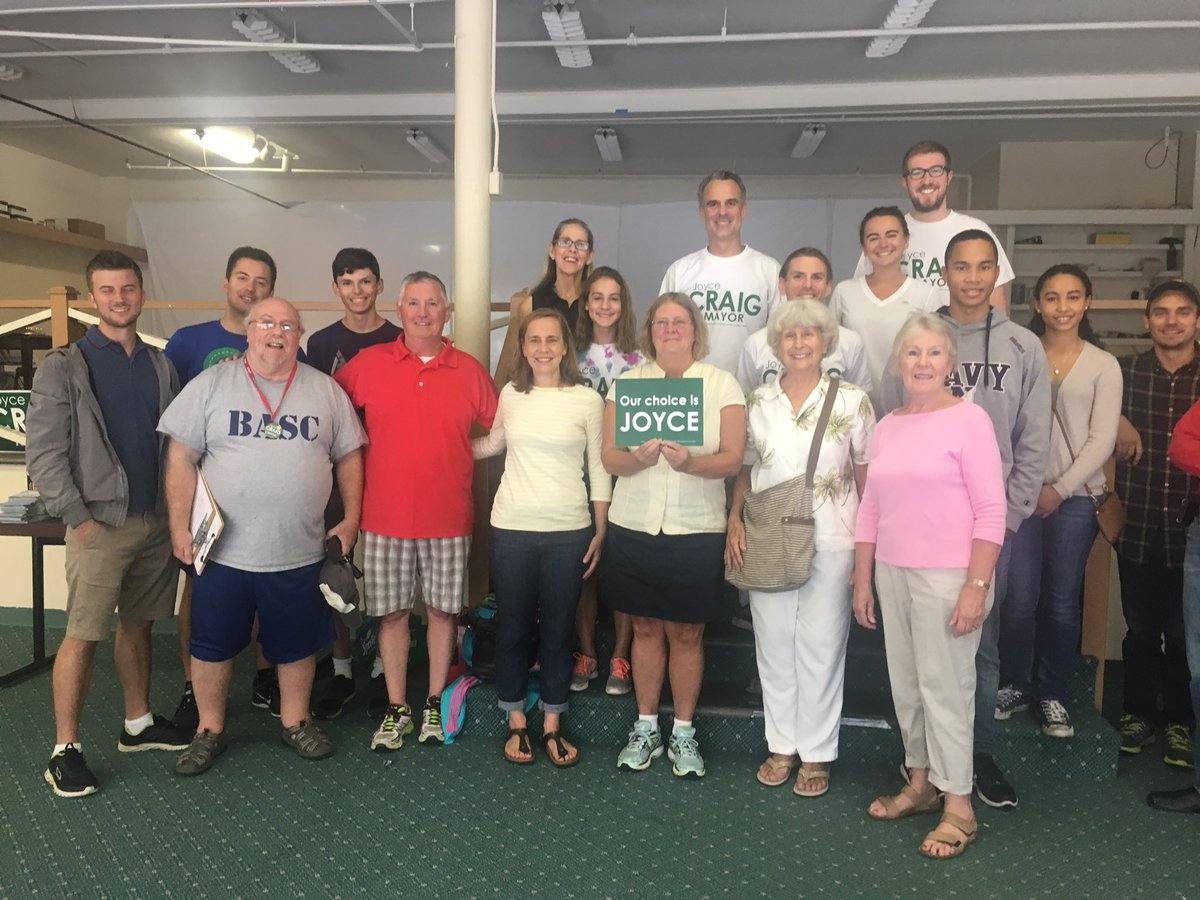 Out knocking doors today for @JoyceCraigNH ! #DemsResist #NHPolitics #DayOfAction #Organize <br>http://pic.twitter.com/7InLRv3mpa