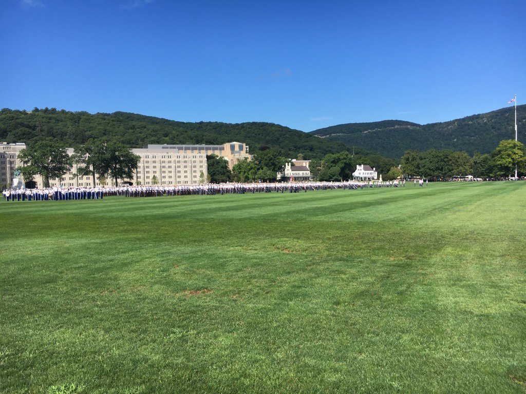 You won&#39;t see this on any other college campus today. Honored to have the opportunity to coach at West Point.#leaders <br>http://pic.twitter.com/k1iXL75sN0