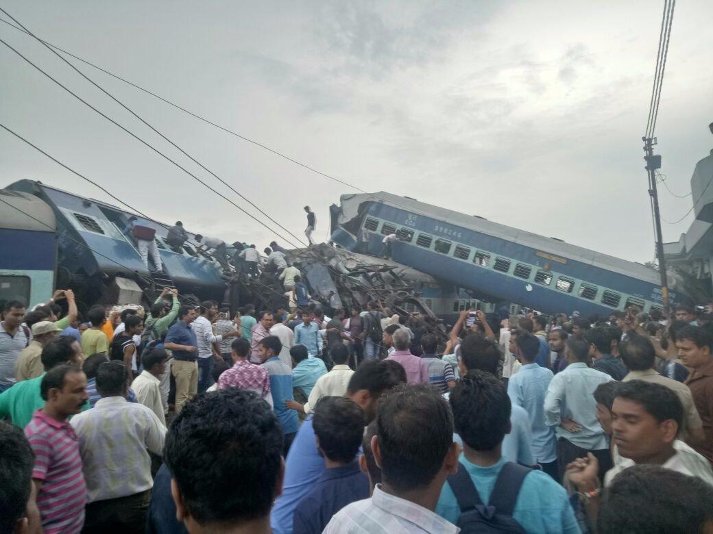 インドで列車が豪快に脱線 10人死亡 150人負傷 https://t.co/BhoC173dli https://t.co/vUF5Vw8l4T