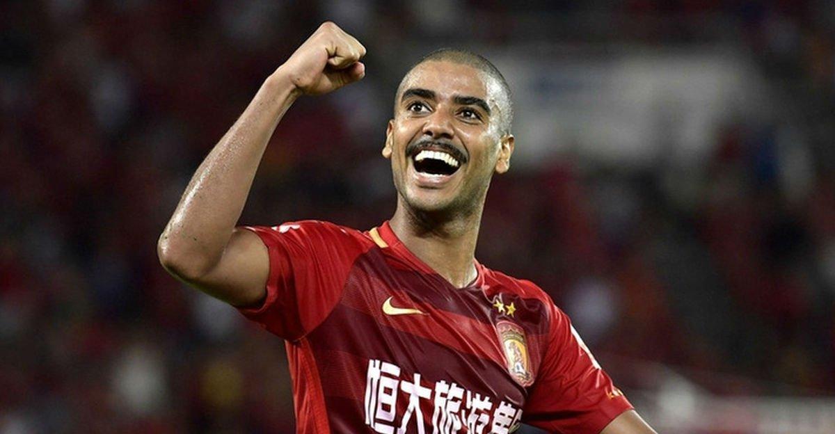 Com três gols brasucas, time de Felipão vence e fica perto do hepta na China https://t.co/AgfWaQgMfe