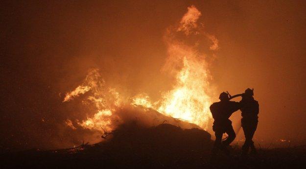 Le barbecue met le feu à #Feliceto #Corse #incendie  http:// sur.corsematin.com/1vb9-kaCQ    pic.twitter.com/8PjlsW6ICs