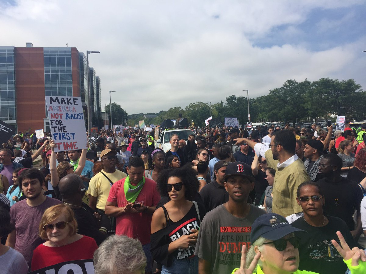 This is what resistance looks like! #fightsupremacy #bostonresist https://t.co/P8PepTbk01