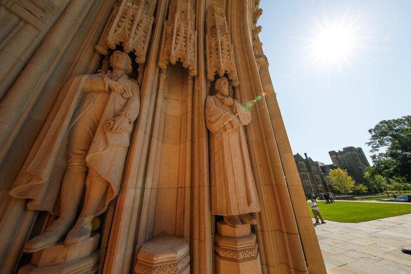 Duke University removes contentious Confederate statue after vandalism...