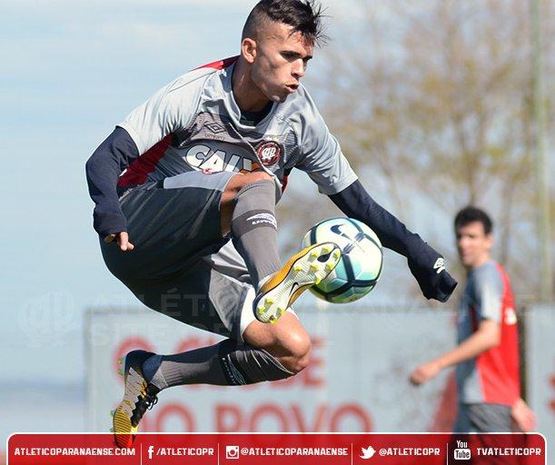 Furacão treinou na manhã deste sábado em Porto Alegre e está pronto para enfrentar o Grêmio. 🌪️ 👉 https://t.co/z1tKhze20F #GRExCAP