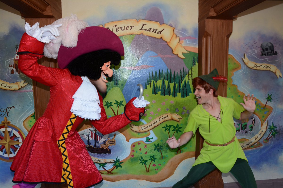 What do Dopey and Captain Hook have in common?! They're here at Magic...