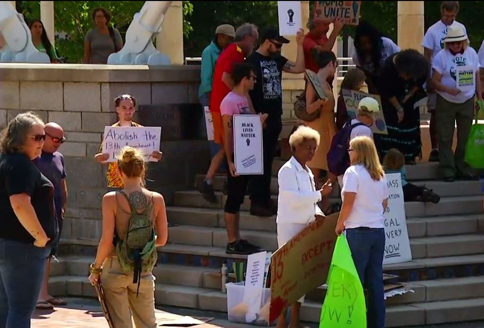 LIVE   'Asheville Solidarity Rally' held in Pack Square for prisoners' human rights; UNCENSORED feed https://t.co/DMx9nXUF9Z #avlnews