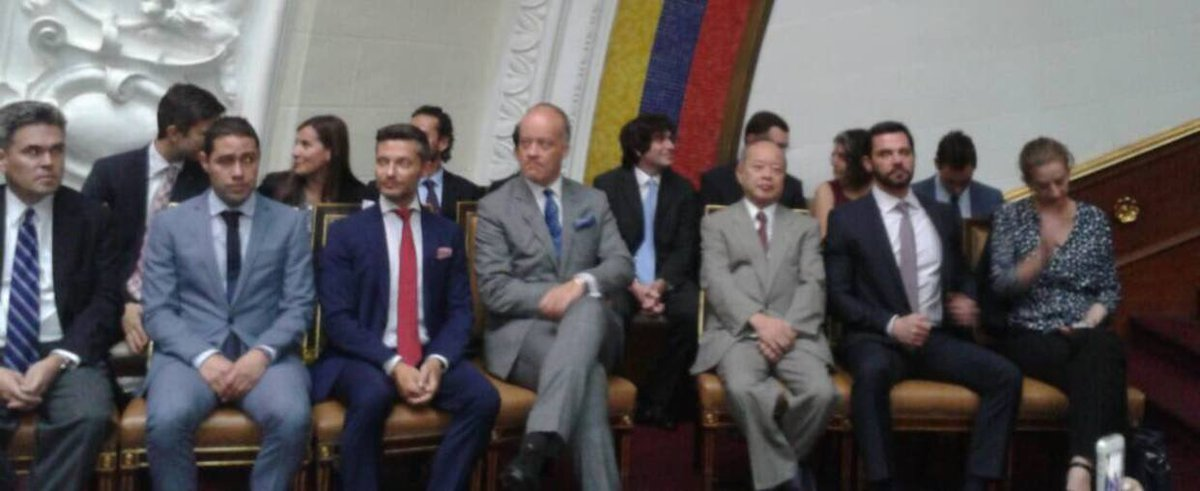 Cuerpo diplomático acompaña sesión extraordinaria en la AN https://t.c...