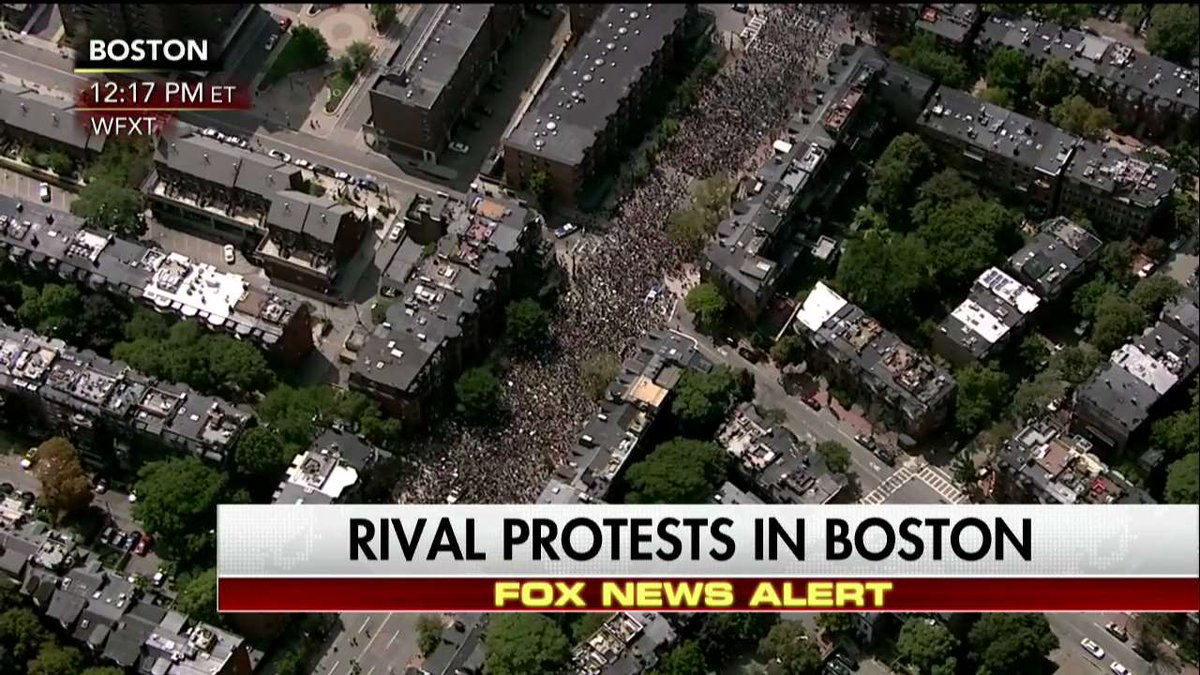 Rival protests underway at #Boston #FreeSpeechRally https://t.co/UxWeG...