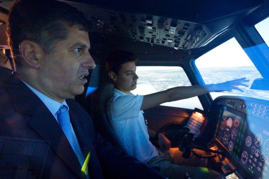 """China à """"caça"""" de pilotos ocidentais. E portugueses sem mãos a medir para dar formação https://t.co/22s4hvorqp"""