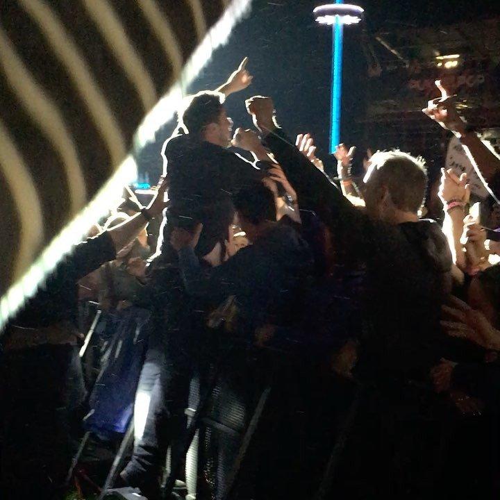 #mumfordandsons Marcus Mumford came very close  #pkp2017 #pukkelpop #pukkelpop2017  http:// ift.tt/2v24Y3F  &nbsp;  <br>http://pic.twitter.com/jAIjq45fUs
