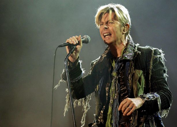 David Bowie's sex addiction exposed with claims he 'bedded 13-year-old groupies' - but refused to 'f*** a dead body' https://t.co/Az0FY1l6xR