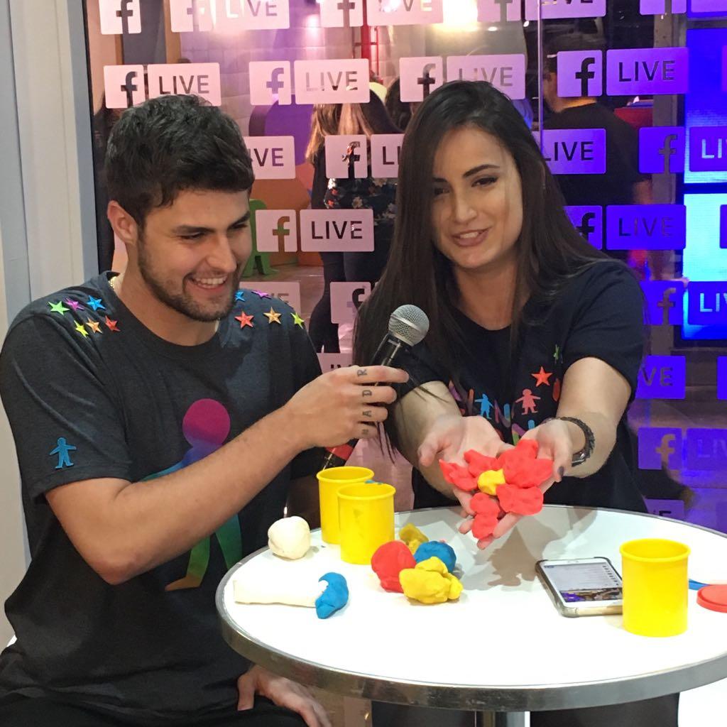 Rolou até desafio especial da @mari_palma pro @rezende_evil na live do Facebook! 😂#CriançaEsperança  👭👫👬https://t.co/dfgdGBzX4u