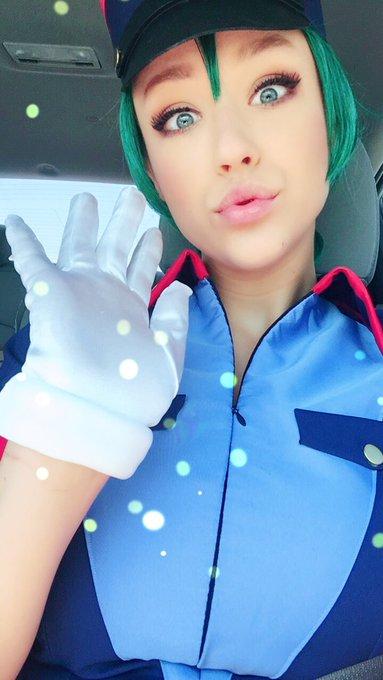 1 pic. Officer Jenny at your service🔥 https://t.co/RJJfXhiIyl