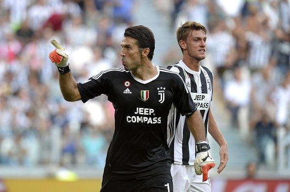 JUVENTUS-CAGLIARI 3-0: Bianconeri in gol con Mandzukic Dybala e Higuain. Buffon neutralizza il primo caso VAR