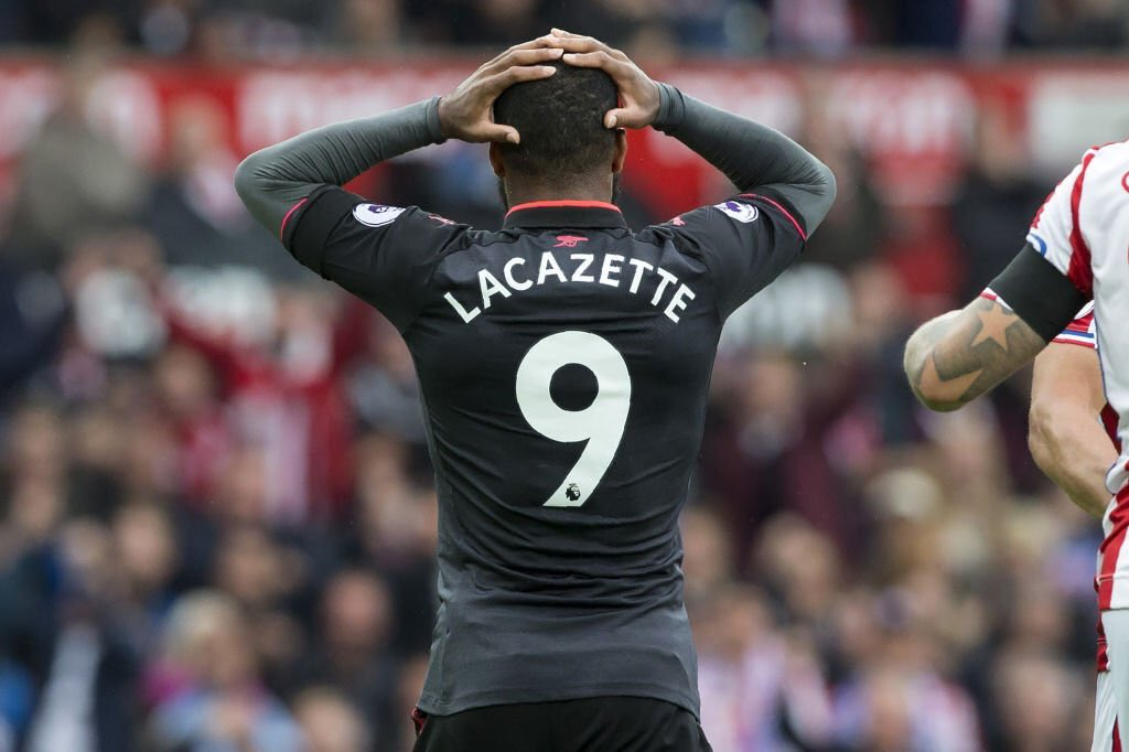 Piers Morgan reacts to Lacazette's 'offside' goal against Stoke City