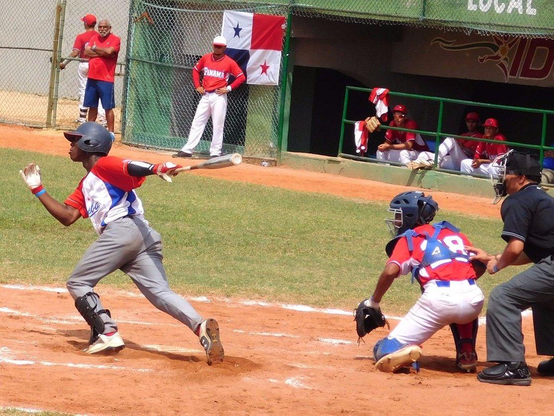 Cuba vs Panamá en Cartagena