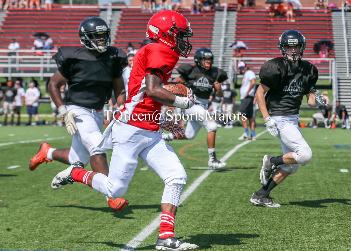 4 Team scrimmage at Woodlawn @WHSWarriors1801 Raymont Diggs was one of the standout players today @theoleballcoac1 #HighSchoolFootball #Prep <br>http://pic.twitter.com/GbPTNpe6wZ