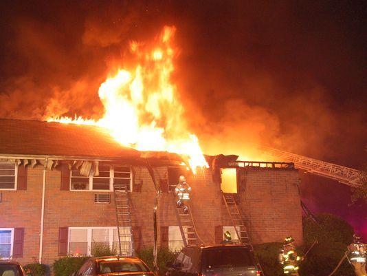 Park Ridge condo residents allowed to return for their belongings after fire  https://t.co/eFIMSVpRa0 @jongsmjo @KristieCattafi