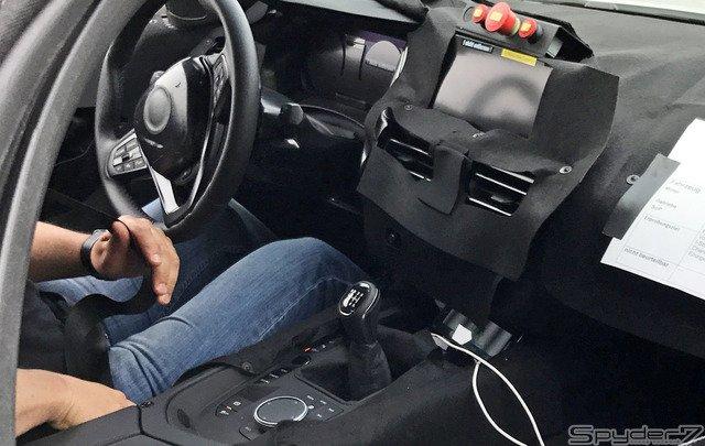 次期 スープラ にもMT採用か…トヨタ×BMWの新型スポーツ、車内をスクープ https://t.co/Ted4bLNKi4  #注目記事 #スープラ #トヨタ