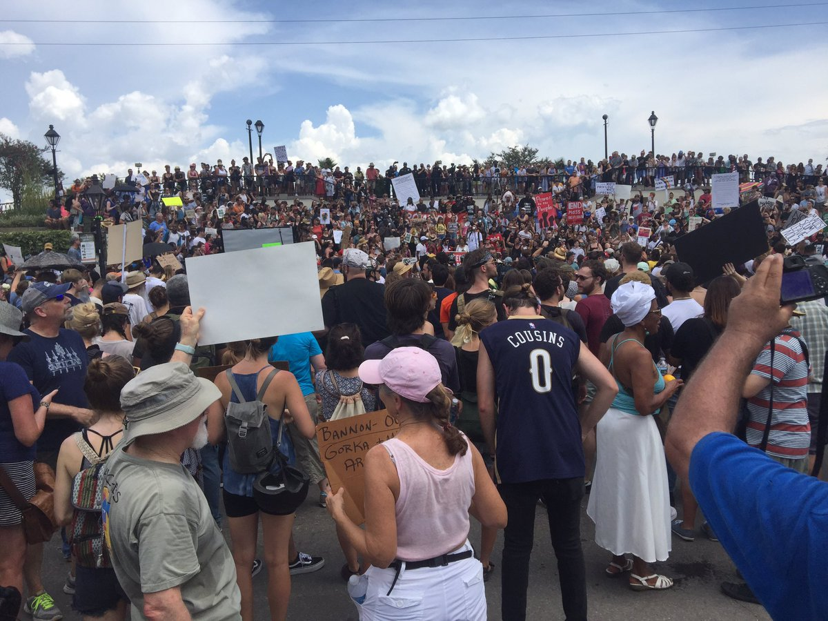#NOLA in #solidarity with #CVille. #TakeEmDownNOLA #TakeEmAllDown<br>http://pic.twitter.com/h4Nk2LRSgP
