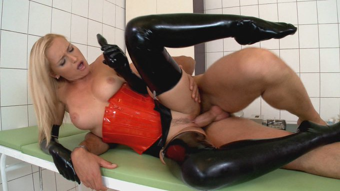 Shiny Latex Mixed Sex Galler 1