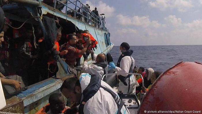 Ajuda humanitária sob fogo cruzado no Mediterrâneo https://t.co/txjczRSFfQ